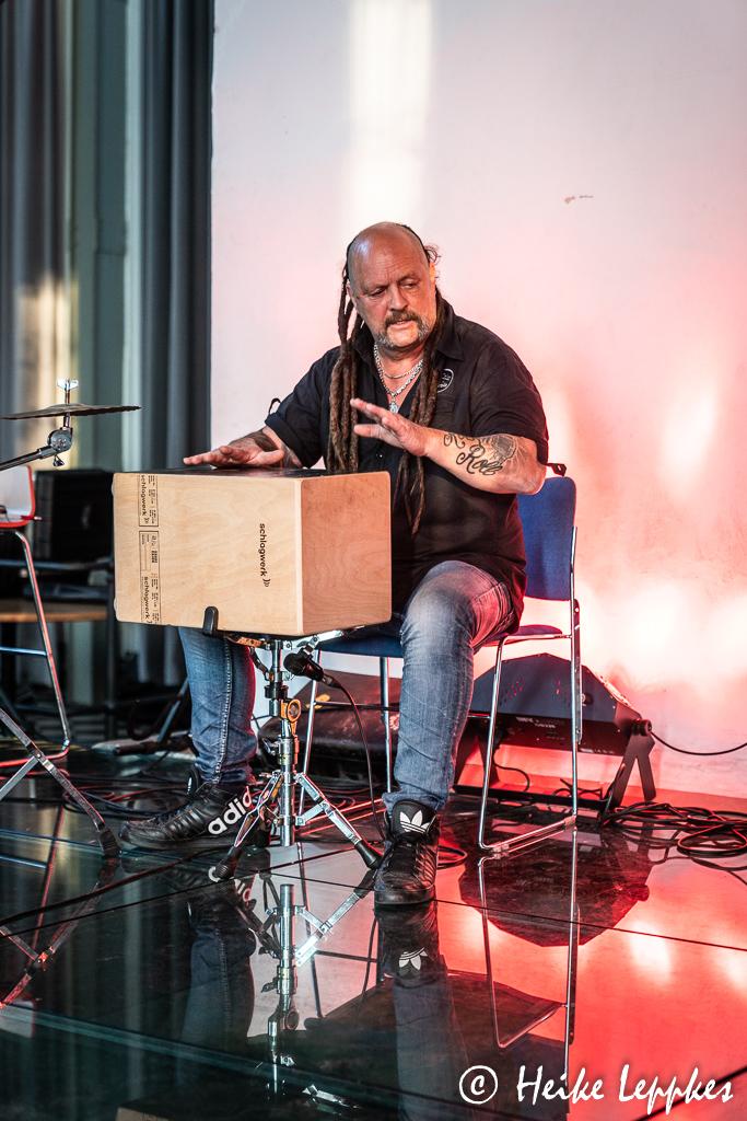 2020-06-22-Andi-Hägler-und-Mr.-Blue-@-stadt.bau_.raum-Gelsenkirchen-03821