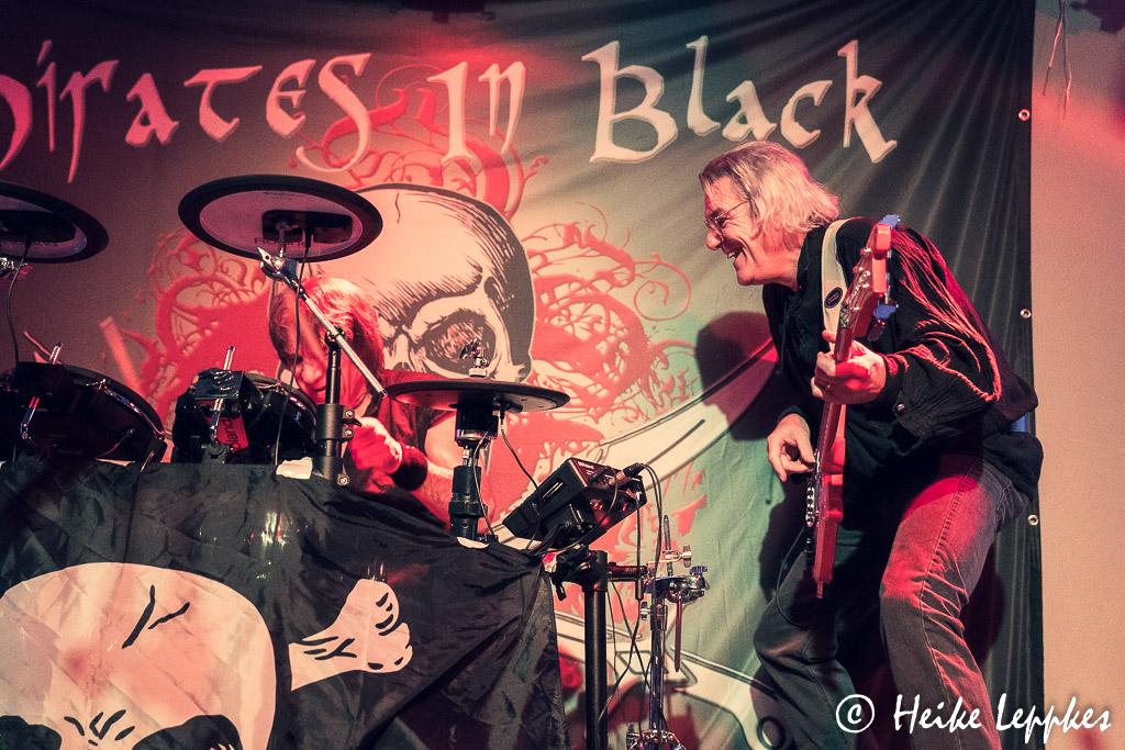 2019-11-29-Pirates-In-Black-03836