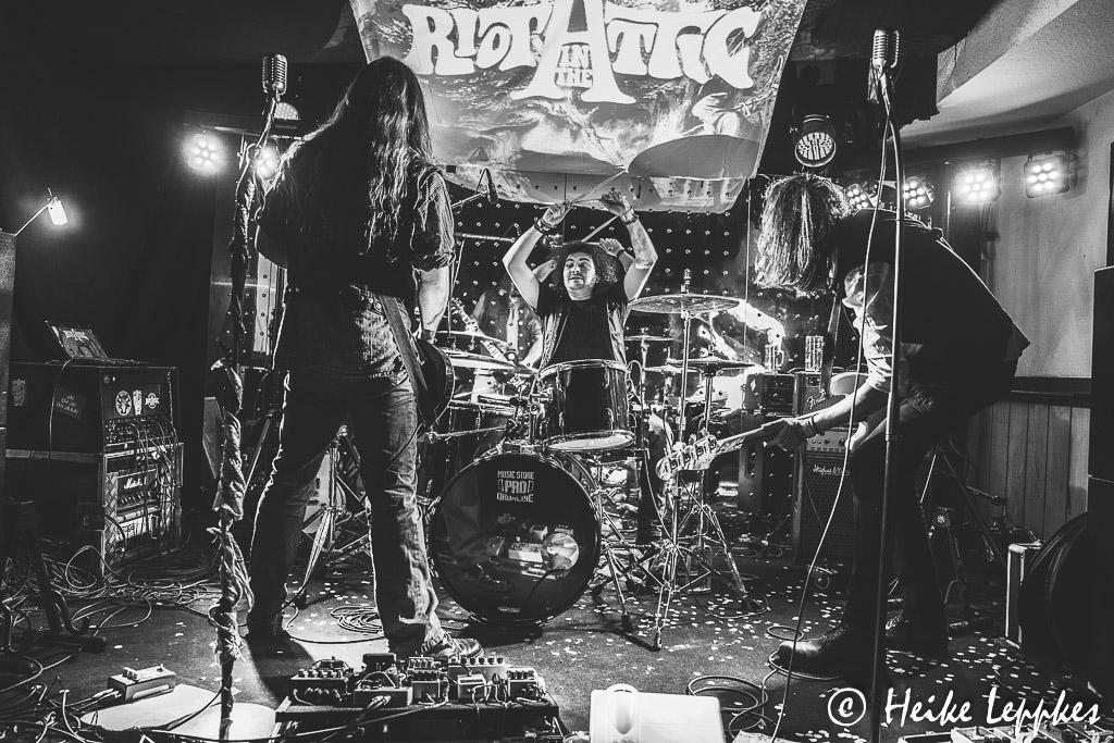 2019-12-20-Riot-In-The-Attic-07488